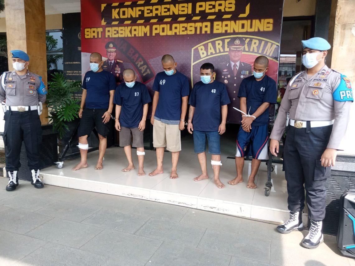 Ekspose penangkapan residivis pembobol minimarket (Foto: Verawati/dara.co.id)