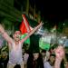 Warga Palestina merayakan di jalan-jalan setelah gencatan senjata, di Jalur Gaza selatan pada Jumat, 21 Mei 2021/Reuters/Ibraheem Abu Mustafa /reuters/Ibraheem Abu Mustafa/galamedianews.com