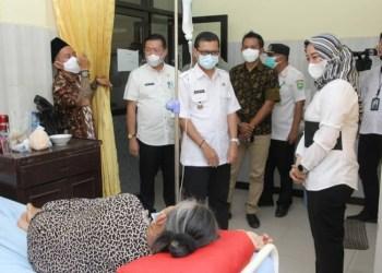 Wakil Bupati Subang, Agus Masykur Rosyadi kunjungi sejumlah rumah sakit swasta dan puskesmas (Foto: Yudi/dara.co.id)
