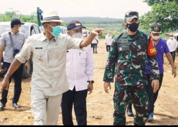 Bupati dan Dandim Subang saat meninjau sejumlah lokasi strategis (Foto: Yudi/dara.co.id)