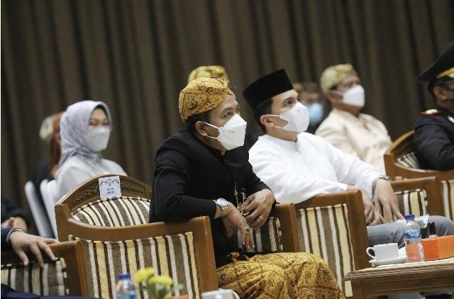 Bupati Bandung Dadang Supriatna dan Wakil Bupati Sahrul Gunawan menghadiri  Peringatan Hari Lahir Pancasila Tingkat Kabupaten Bandung di Gedung Mohamad Toha, Soreang, Selasa (1/6/2021).(Foto :Bagian Protokol dan Komunikasi Pimpinan)