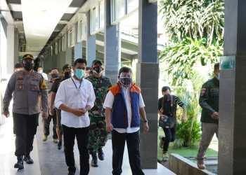 Bupati Garut, Rudy Gunawa, bersama Forkopimda Kabupaten Garut melakukan pengecekan ruang pemulasaraan di RSUD dr. Slamet Garut (Foto: Andre/dara.co.id)