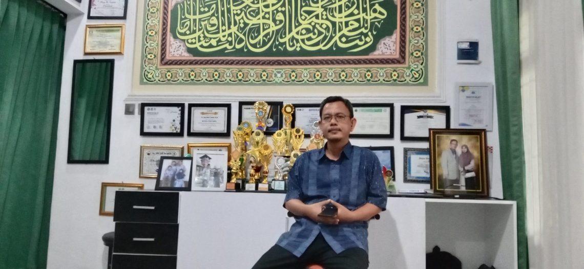 Pengamat Politik dan Pemerintahan Tasikmalaya, Asep M Thamam (foto : Nanang Yudi/dara.co.id)