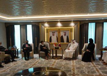 enteri Luar Negeri Retno Marsudi saat bertemu dengan Wakil Perdana Menteri dan Menteri Luar Negeri Qatar Sheikh Mohammed bin Abdulrahman Al-Thani. (Twitter/@Menlu_RI)