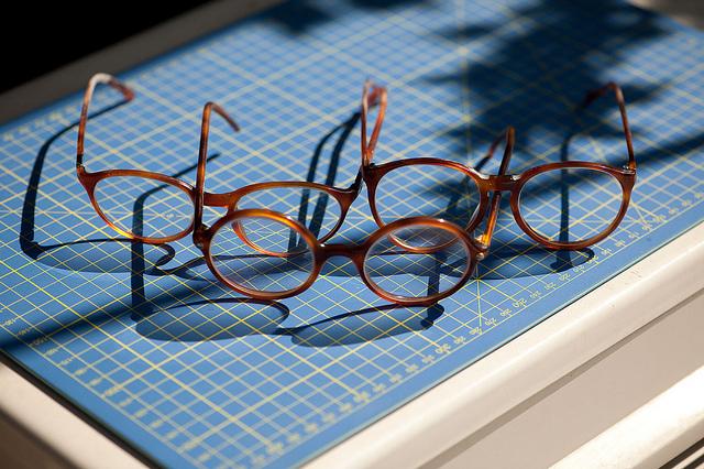 glasses_pensive glance