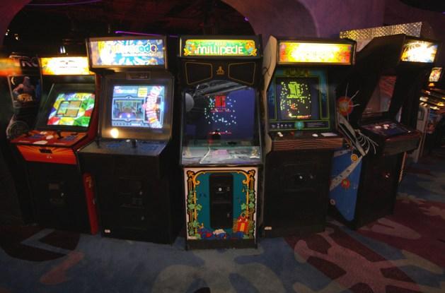 arcade games_sam howzit