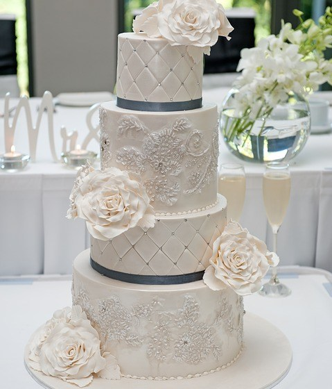 Exotic Wedding Cake Trends