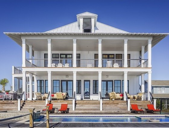 home in hamptons style