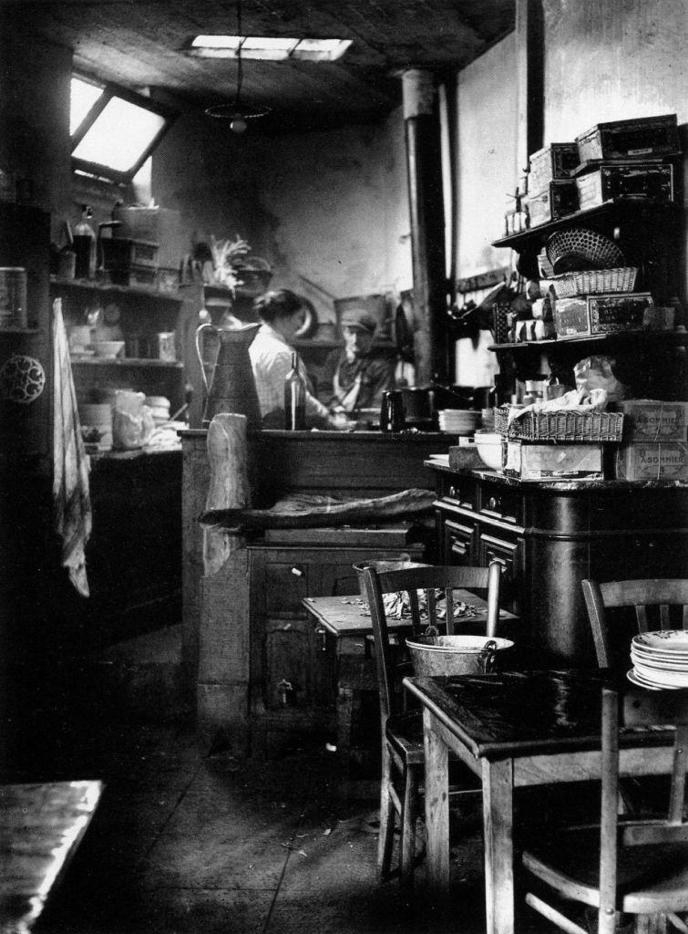 A Paris bistro kitchen (1927) André Kertész.