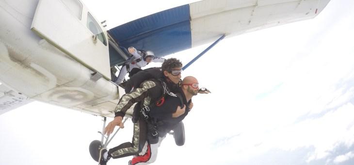 Salto con il Paracadute in Tandem