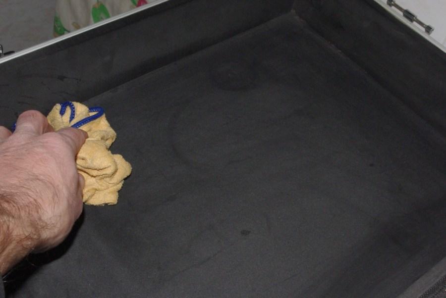 Come pulire l'interno di un flght case