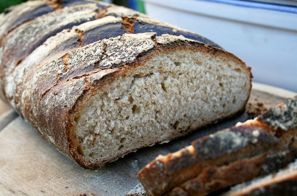 Foto von dem frisch aufgeschnittenen Brot. Darjas Welt