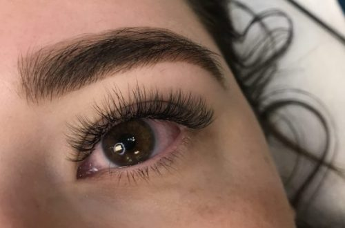 groom Women eyebrows