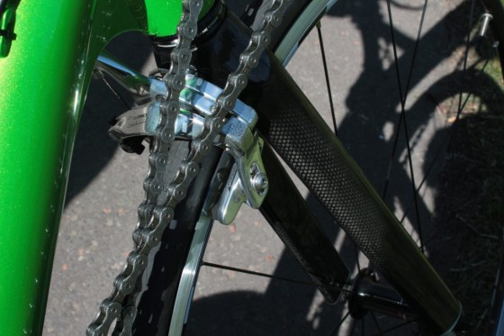 This photo still doesn't do justice to how cramped the area by the front fork is.