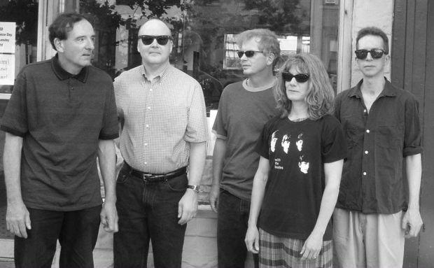 The Feelies, In Between – un nouvel album après six ans de silence.