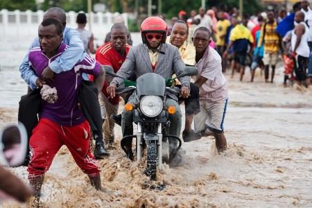 Crossing Morogoro Rd.  Photo: Daniel Hayduk
