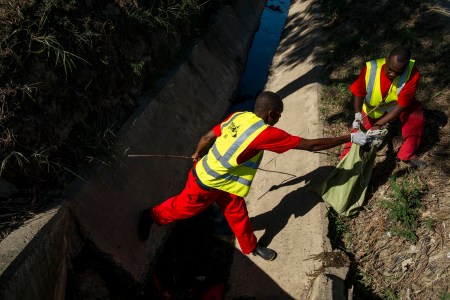 Street cleanup in Dar es Salaam, Tanzania on December 8. Photo: Daniel Hayduk