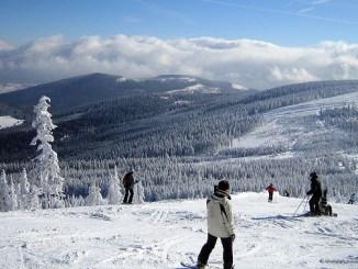 Skigebiet Czarna Gora im Glatzer Bergland, Foto:Ainunau , CC BY-SA 2.0
