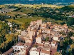 Veduta del borgo di Certaldo