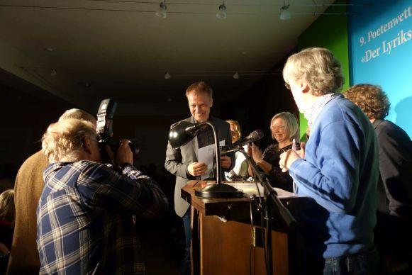 Der Gewinner des Lyrikstiers 2017 Holger Küls beim Pressetermin. Foto: DAS GEDICHT
