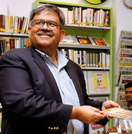 Launching his new poetry book (Photos: Aminur Rahman, Dhaka, and Edition Delta, Stuttgart)