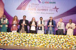 Book launching at Dhaka International Poets Summit 2017 with Mohammad Nurul Huda, Jona Burghardt, Aminur Rahman, Manfred Chobot, Minister Rashed Khan Menon, Tobias Burghardt, Victor Pogadaev and Asad Chowdhury (Photos: Aminur Rahman, Dhaka, and Edition Delta, Stuttgart)
