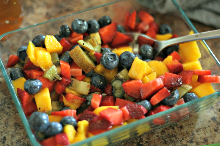 Fruit salsa is a perfect topper for mini churro yogurt cups--or any cinnamon chips you want! @DashOfEvans