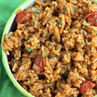 Every fiesta needs some GOOD rice, right? Your new go-to Mexican rice. You're welcome :) via @dashofevans