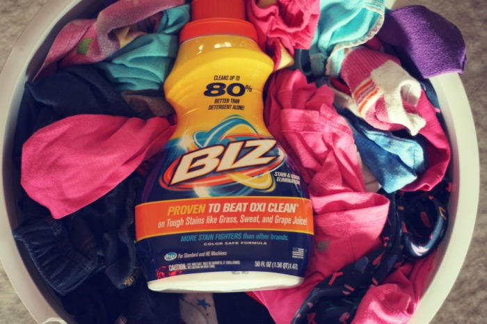 Laundry 101: Why Biz IS better for stains and your family's laundry via @DashOfEvans