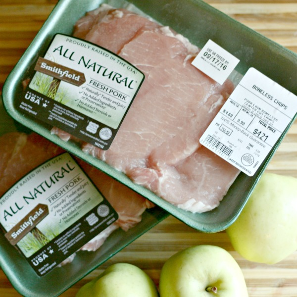 Switch up your pork chops with these delicious Creamy Apple Cider chops! #ad #SmithfieldCares #SoFab