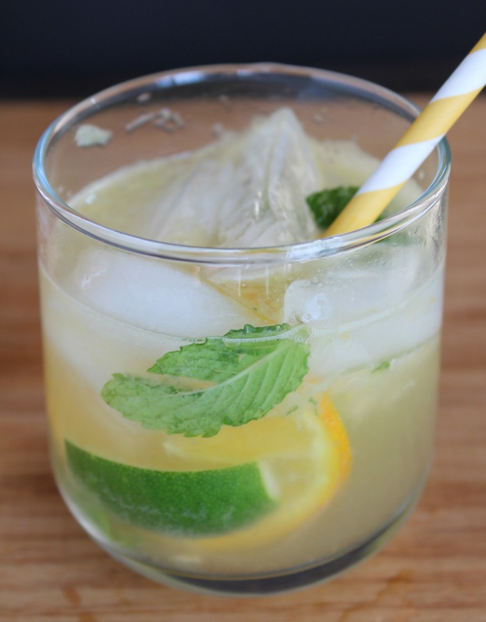 Using fresh ingredients in drinks makes a world of difference! Try this simple Orange Grapefruit Mojito Mocktail...add rum if you want. via @DashOfEvans #SimplyInteresting