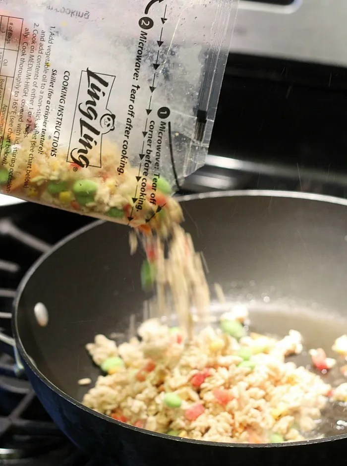Dinner in less than 20 minutes? Yes, please! Try Ling Ling frozen fried rice for MYO takeout. YUM! via @dashofevans