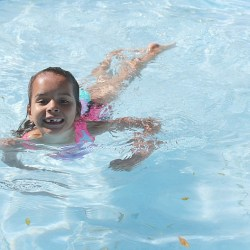 Teaching Swim Confidence for Kids [5 Tip...