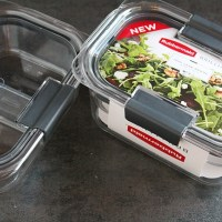 Try new stain and leak-proof Rubbermaid BRILLIANCE containers for your busy on-the-go lunches! Find out more, plus a giveaway on @DashOfEvans!
