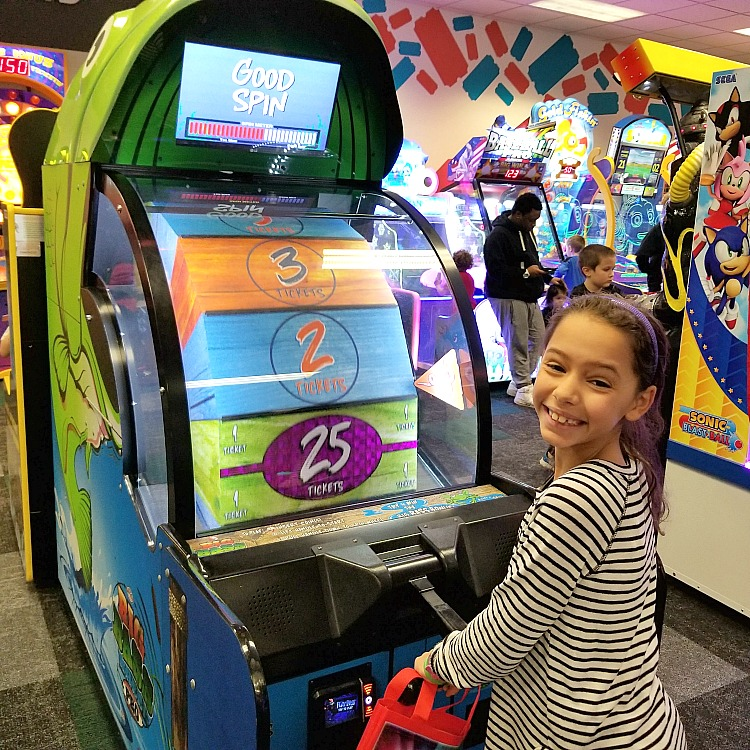 Chuck E. Cheese's is always waiting for birthday party or everyday fun for your kiddos! With the new All You Can Play pass, you can let your kids have fun, no worry about tokens. Check out more info on @DashOfEvans #ad