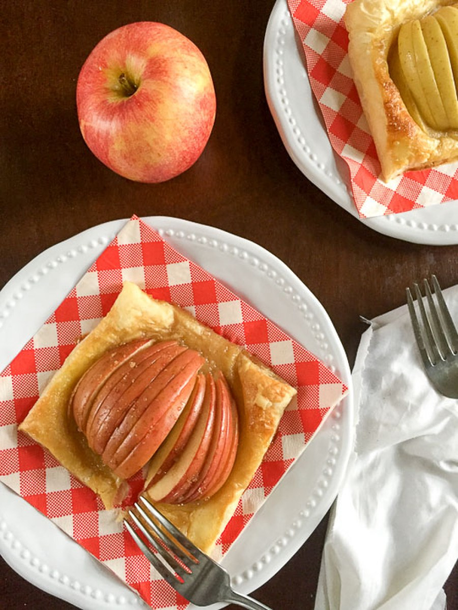 Make these easy apple tarts with just five ingredients for the perfect dessert in under 30 minutes!