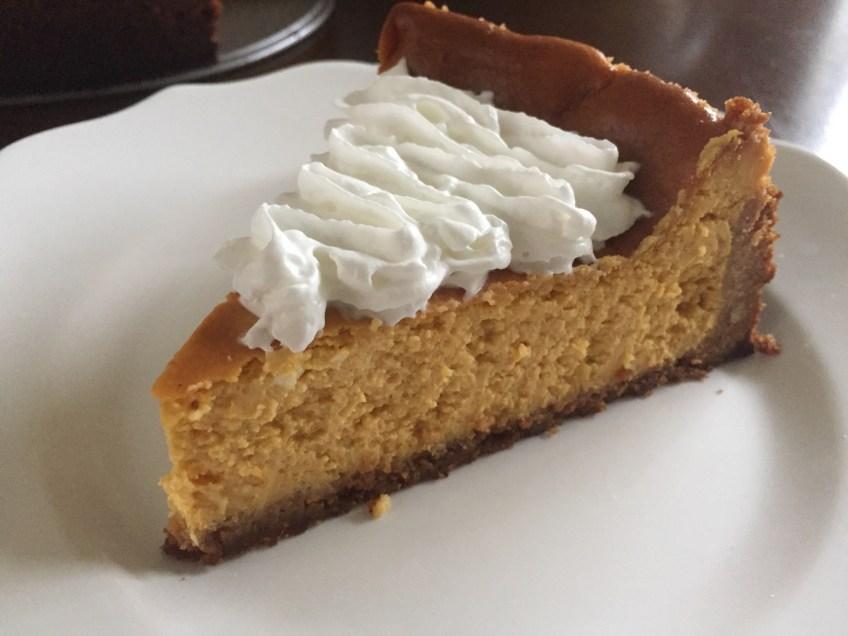 Simple Pumpkin Cheesecake | Dash of Jazz