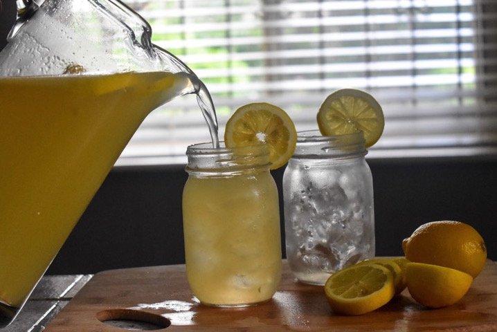 Fizzy Honey Ginger Lemonade | Dash of Jazz