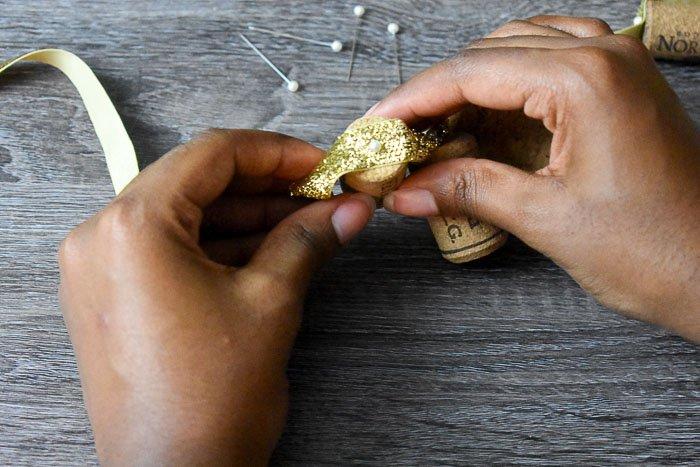 assembling wine cork garland