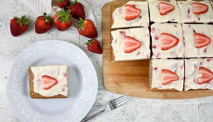 Strawberry Cream Cheese Sheet Cake