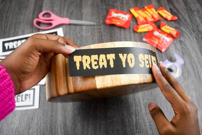 taping treat yo self printable to bowl