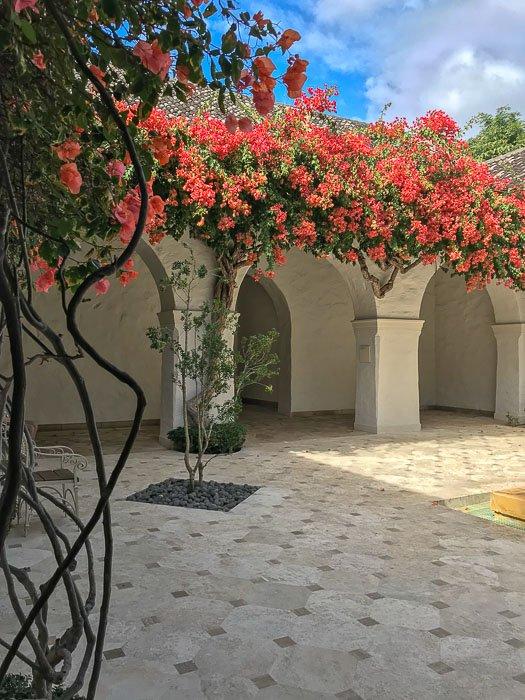Mediterranean courtyard at Honolulu Museum of Art, Oahu