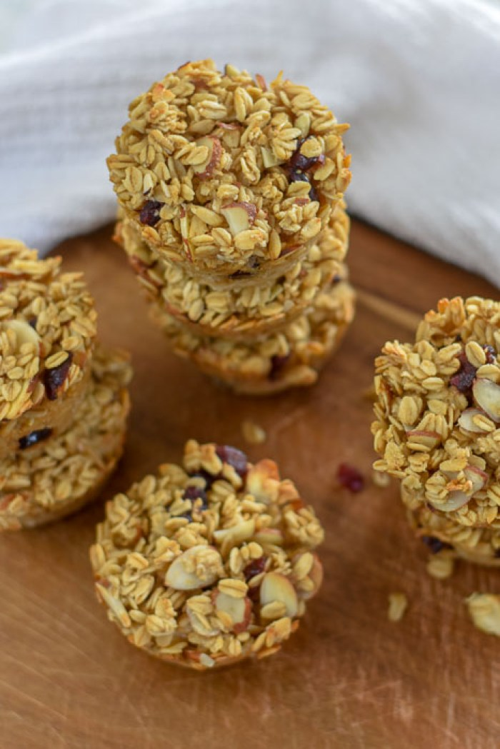 baked cranberry almond oatmeal muffins