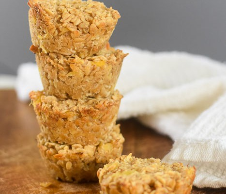 Piña Colada Oatmeal Breakfast Muffins (Vegan)