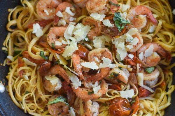 Quick Shrimp & Tomato Pasta (20-Minute Dinner)
