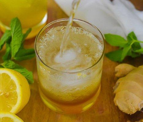 Sparkling Turmeric Gingerade (Immune Boosting Tonic!)