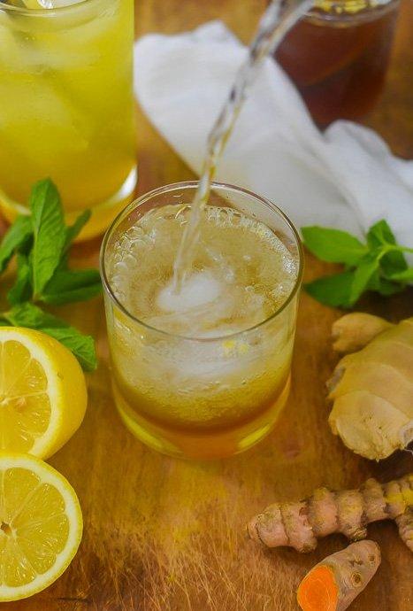 Sparkling Turmeric Gingerade (Immune Boosting Detox Soda!)
