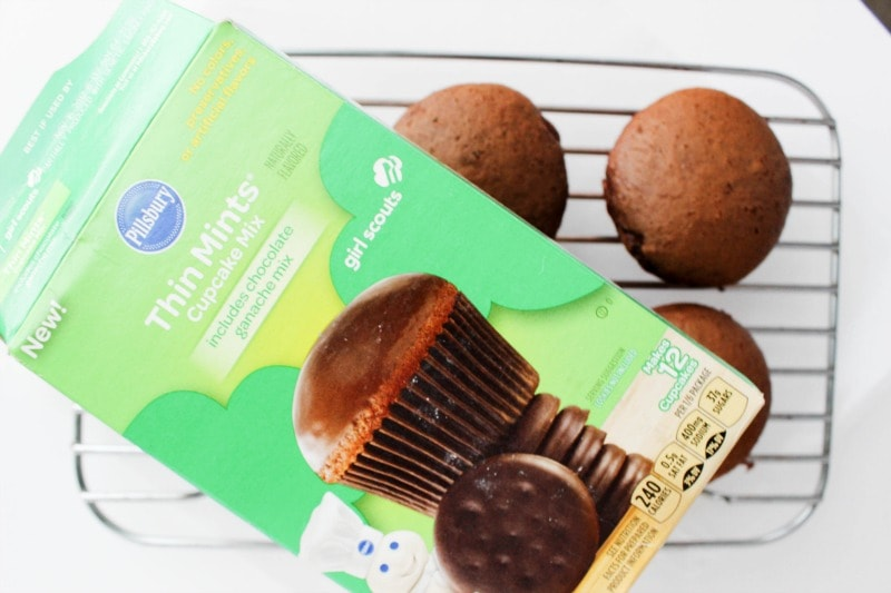 These delicious Thin Mint Ice Cream Cupcakes are an easy dessert that you can have all year long, not just when the Girl Scouts come knocking at your door. Thin Mint Ice Cream Cupcakes STEP 1
