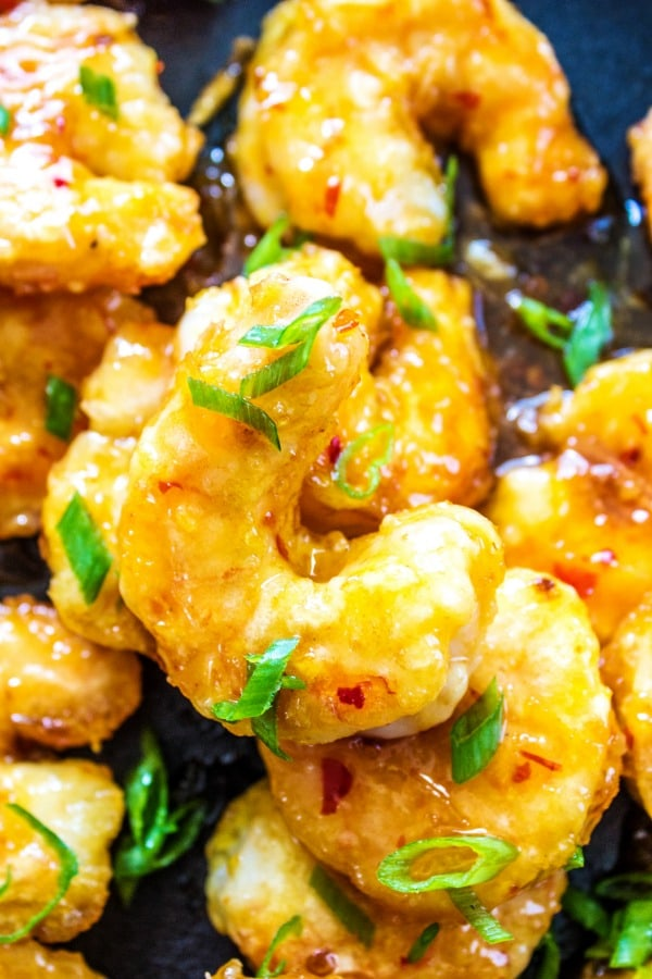 FIRECRACKER SHRIMP a sweet & spicy combination with tantalizing flavors, this gorgeous meal is ready in 20-minutes.