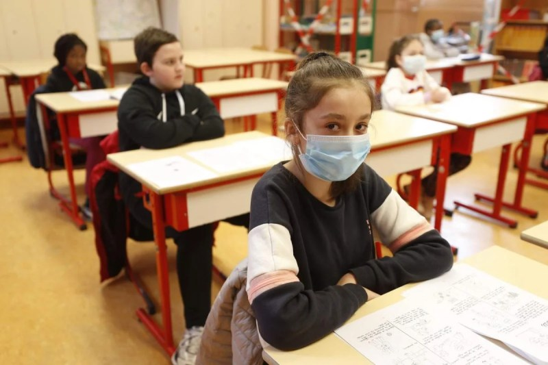 Verona, child faints in class after having kept the mask for hours